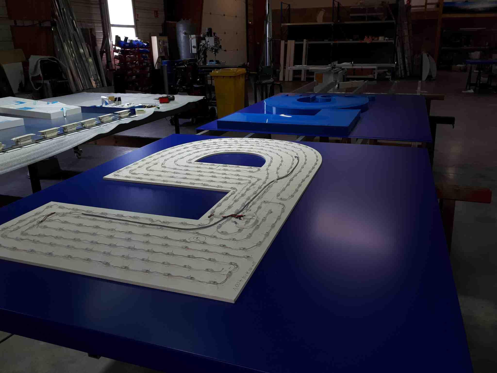 Fabrication enseigne lumineuse