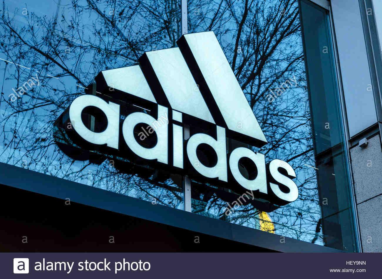 Pourquoi y a-t-il deux logos Adidas ?